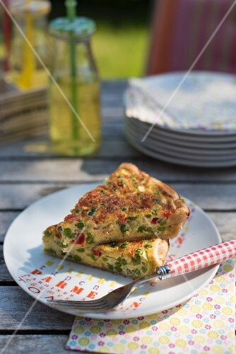 Vegetable quiche with peas and peppers