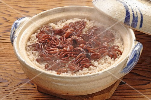 Rice with octopus in an earthenware pot (Japan)
