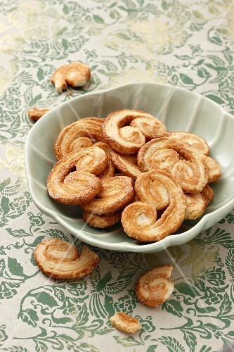 A bowl of palmiers