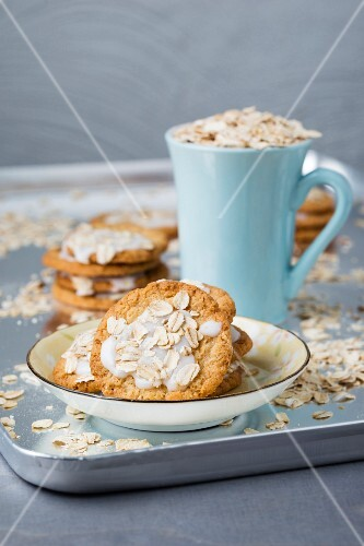 Oat biscuits with icing and oats