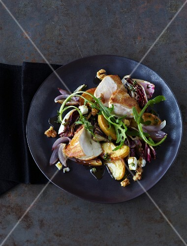 Chicken fillet with braised radicchio