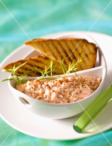 Trout cream with mustard and grilled bread