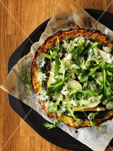 Rocket and pear pizza with gorgonzola