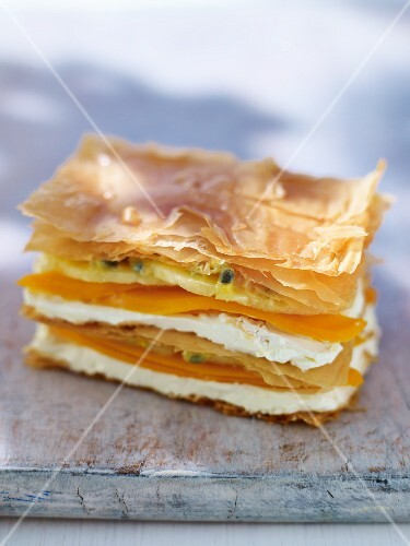 Milles feuilles with papaya and cream cheese
