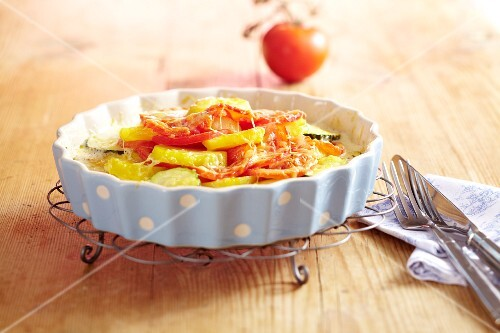 A tomato and potato gratin