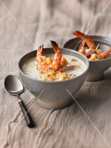 Cream of broccoli soup with prawns
