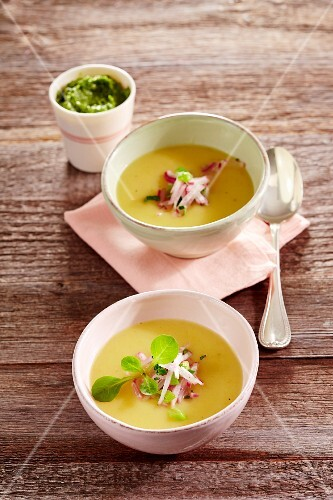 Potato soup with lamb's lettuce and lemon pesto