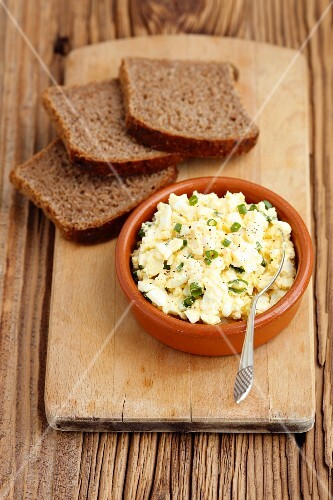 Egg salad and wholemeal bread