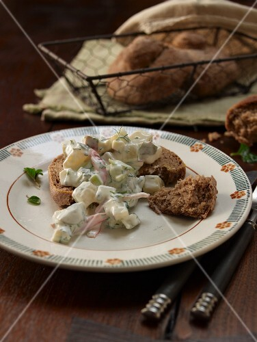 Cheese salad with rye bread