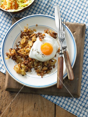 Zwurler (Bavarian potato hash) with a fried egg