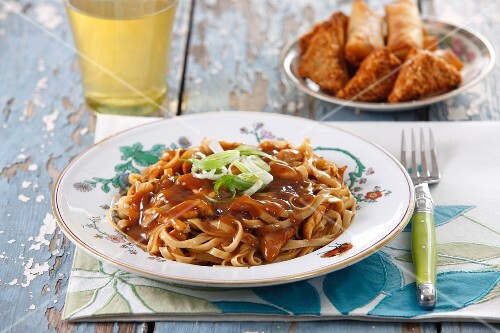 Chow mein (noodles with a meat sauce, China)