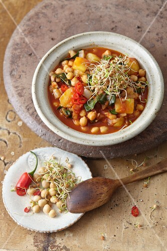Vegan potato curry with chickpeas and chilli