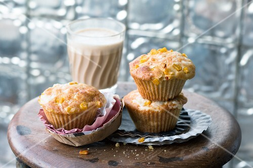 Cheese and polenta muffins