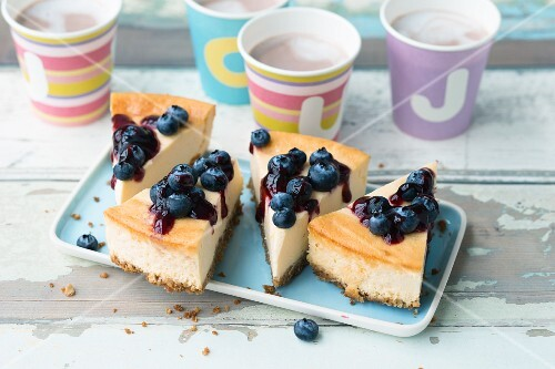 American blueberry cheesecake
