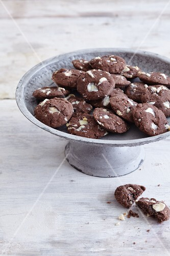Gluten-free coconut and cocoa cookies with white chocolate
