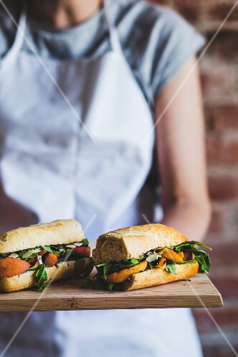 Vegetarian baguettes with grilled nectarines and rocket