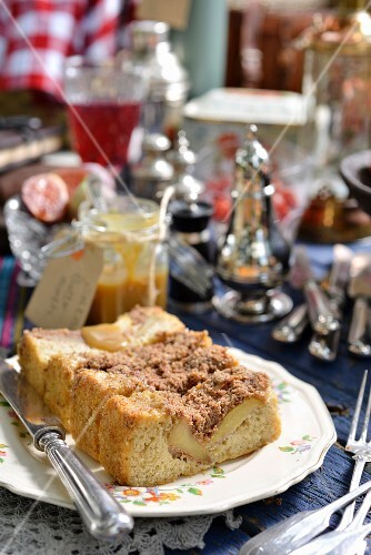 Apple & cardamon crumble cake with salted butterscotch sauce for a winter picnic (South Africa)