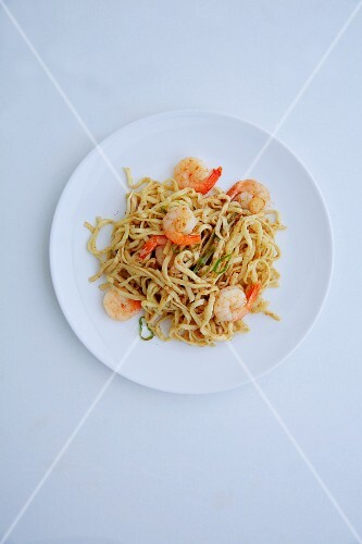Fried noodles with prawns and tamarind