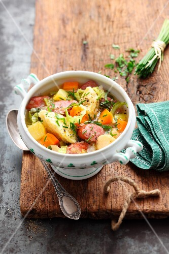 Dithmarschen stew with dumplings and sausage