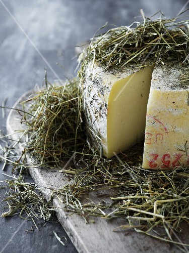 Pasture-grazed cheese