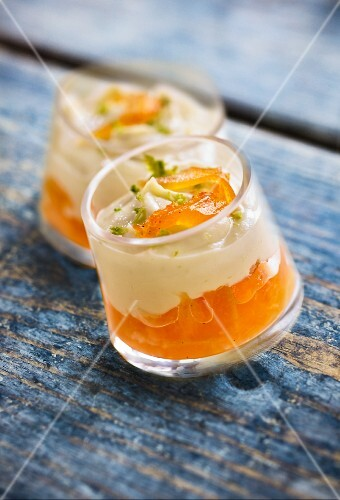 Layered desserts with oranges and wasabi