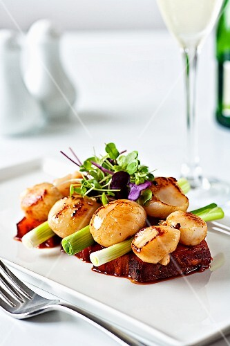 Pork with scallops and spring onions