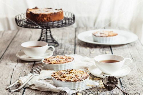 Rhubarb tartlets with almonds served with tea