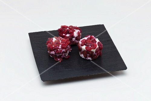 Goats cream cheese with lingonberries (France)