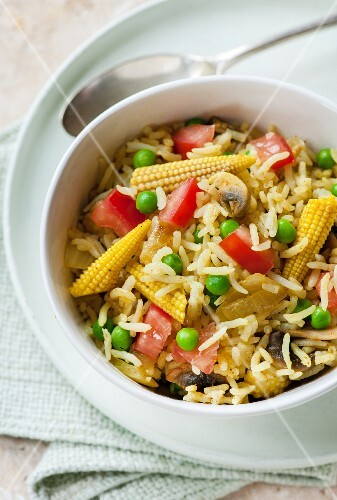 Savoury rice with mushrooms and baby sweetcorn