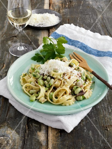 Tripolini with fava beans and ricotta