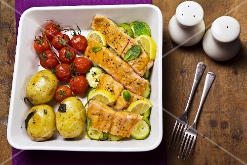 Oven-baked soy salmon with vegetables