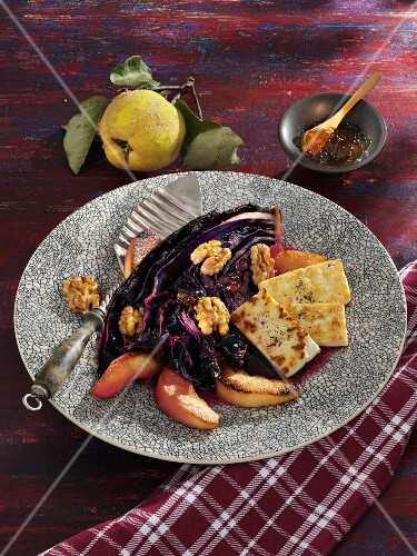 Baked red cabbage with quinces, tofu and walnuts (vegetarian)