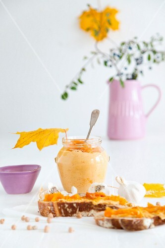 Hummus with pumpkin