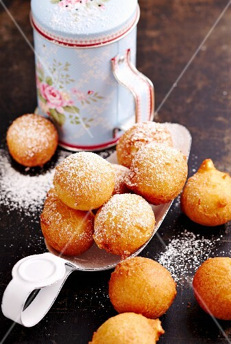 Orange doughnut puffs (deep-fried dough balls, Florida, USA)