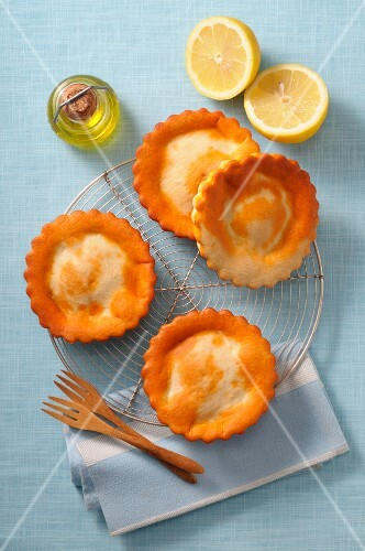 Mini seafood pies with lemon and olive oil