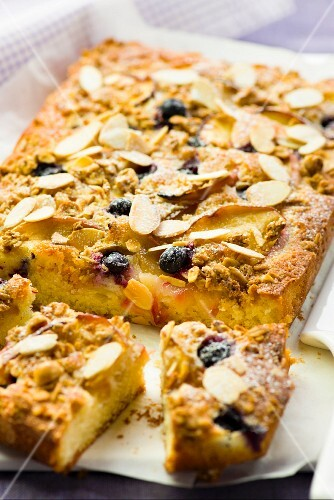 Apple, blueberry and almond tray bake