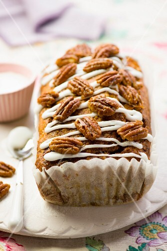 A mini banana and pecan nut cake