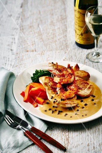 Surf & Turf with chicken and prawns in pepper sauce