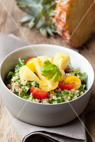 Quinoa salad with tomatoes and pineapple