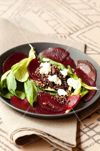 Beetroot salad with black quinoa and brebis cheese
