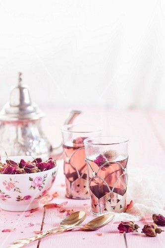 Rose tea in Moroccan tea glasses