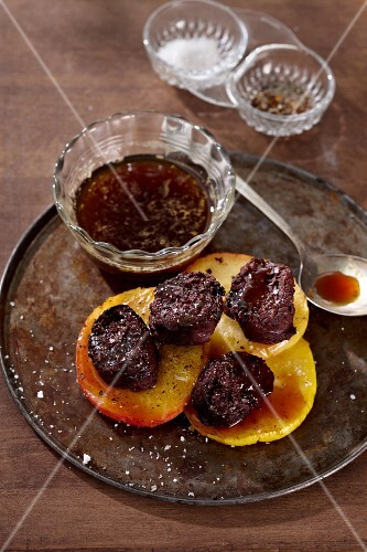 Black pudding with apples and sauce