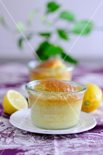 Small lemon cakes, baked in jars