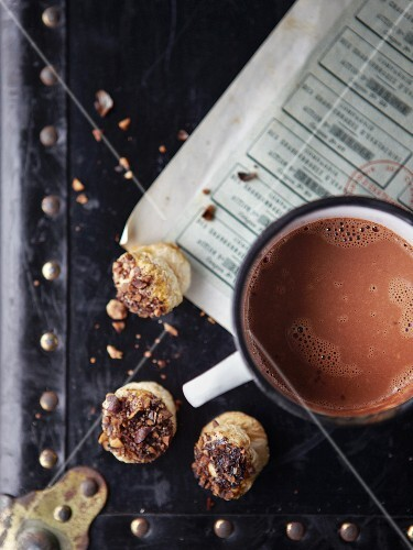 Hot espresso chocolate with biscuits
