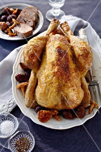 Stuffed capon with chestnuts and chanterelle mushrooms