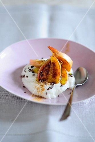 Ricotta with baked apple