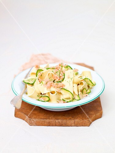 Tagliatelle with smoked salmon and courgette