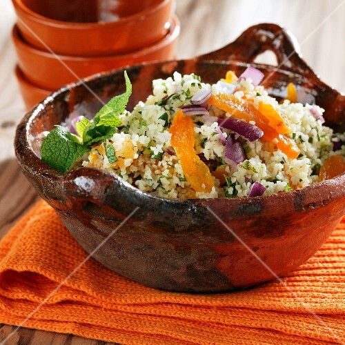 Tabbouleh with dried apricots and mint