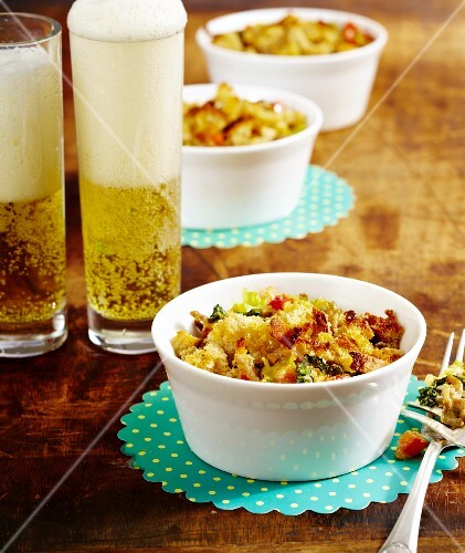 Savoy cabbage and minced meat crumble