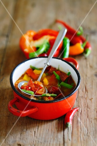 Pepper stew with chilli